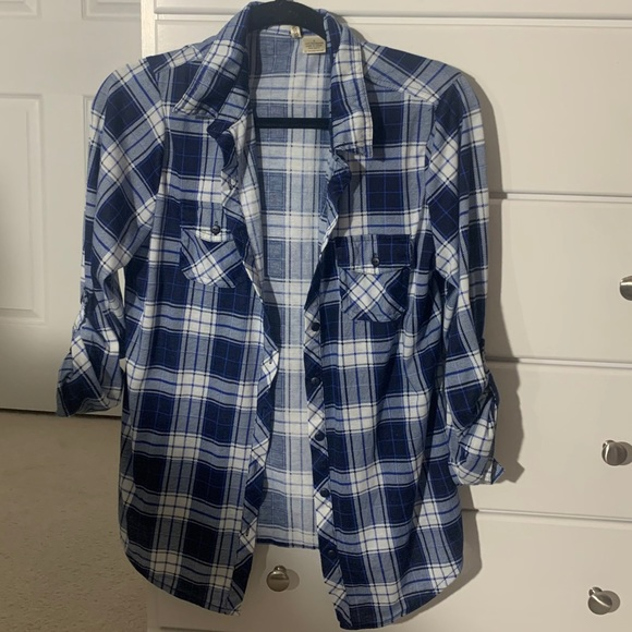 Blue and white comfy flannel! Passport brand